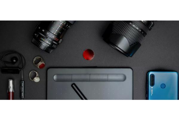 Lens-Phone.jpg